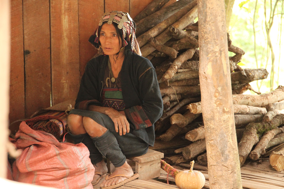 This woman, whom I met on my way to Phongsali, belongs to the Akka ethnic group